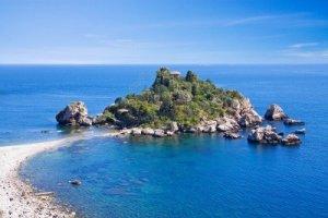 7056858-mare-di-sicilia-taormina-mare-con--39-isola-bella-39